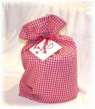 Free Gingham Gift Wrap